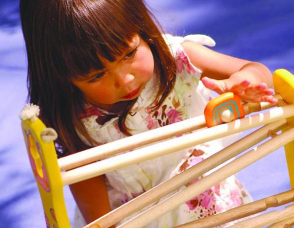 toboggan girafe jouet en bois pour bébé